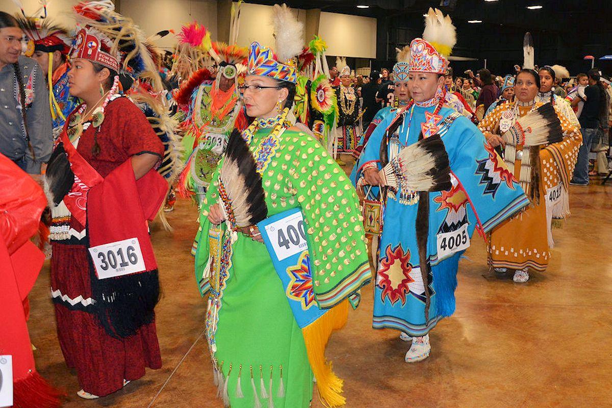 native american pow wow Powwowscom - native american indian pow wows multimedia pow wow photos  pow wow singing dance styles native american information native profiles pow wow.