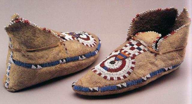 Native American Moccasins Amp Footwear Native American Crafts