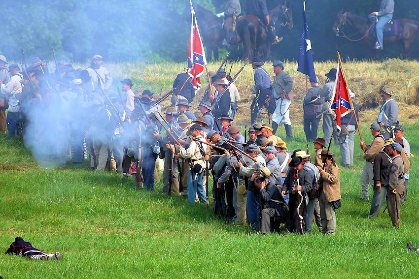 the events in the battle of gettysburg Following his victory at chancellorsville, general robert e lee leads the army of  northern virginia into pennsylvania with goals of taking the heat off of war-torn.