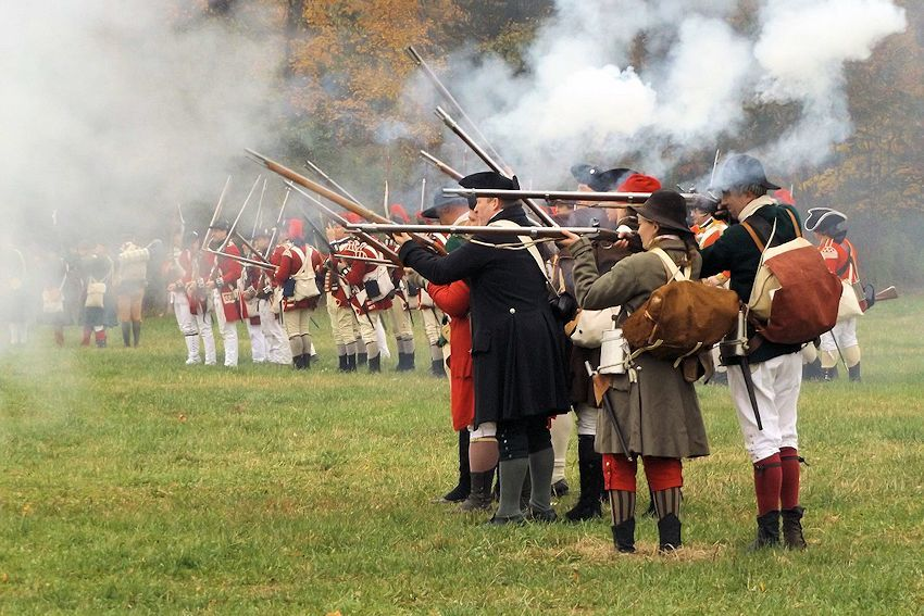 Battle of the Red Horse Tavern Reenactment - Sudbury Companies of Militia and Minute - Wayside Inn